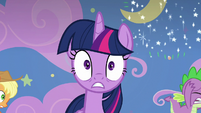 Twilight Sparkle surrounded by chaos S8E7