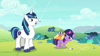 Young Twi, Spike, and Shining look amused S9E4