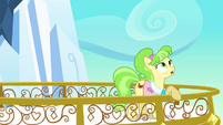 Peachbottom on the castle balcony S03E12
