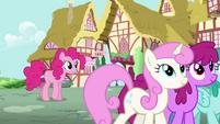 Pinkie Pie listening to Rainbow talking S4E12