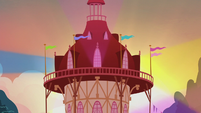 Ponyville town hall lighting up S5E9