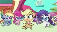 Rainbow Dash giving AJ a squishy cube PLS1E3b