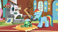 Rainbow strapping helicopter hat back on Tank S5E5