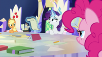 """Rarity """"nopony knows you better"""" S9E4"""