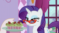 Rarity given cupcakes S5E14