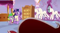 Spike gives the scroll back to Twilight S6E22