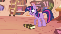 Twilight with the book on the floor S2E02