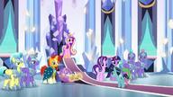 S06E16 Crystal podchodzi do tronu