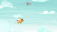 Spike successfully doing an aerial flip S8E24