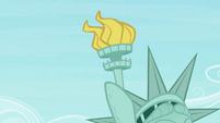 The torch of the statue S4E08