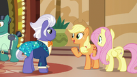 Applejack --you're not the type of pony I expected-- S6E20