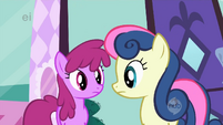 Sweetie Drops and Berryshine look at each other S1E20