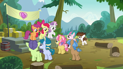 Cutie Mark Crusaders welcoming their campers S7E21.png