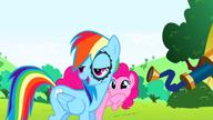 S01E05 Żart Pinkie Pie wypróbowany na Rainbow Dash