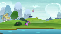 Spike shooting up into the air S8E24