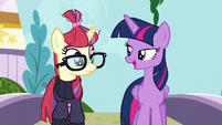 Twilight -you'd be amazed how much you can pick up- S5E12