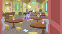 Twilight and Spike alone in music hall S9E5