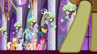 Ponies and Discord look at Braeburn S9E17