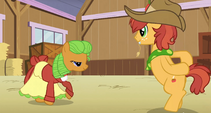 Ponies dancing in the barn S3E8
