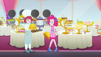 Puffed Pastry appears before Pinkie Pie EGSB