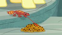 Smoke-breathing gecko eating vegan snake treats S9E18