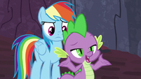 Spike appealing to the teenage dragons S7E25