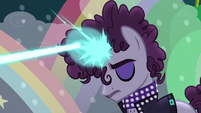 Unicorn zaps magic beam to create vocal effects S5E24