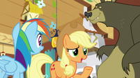 "Applejack ""happy to offer my extra hooves"" S7E5"