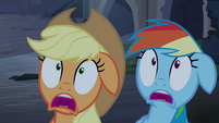 Applejack and Rainbow Dash scared S4E03