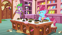 Mrs. Cake mad; Spike embarrassed S9E23