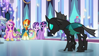 Ponies glaring resentfully at Thorax S6E16