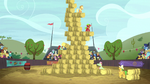 The hay bale monster stack event S5E6.png