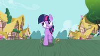 Twilight Sparkle galloping S02E10