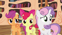 CMC looking back at Twilight S4E15
