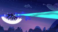 Nightmare Moon firing at Celestia S4E02