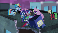 Power Ponies wonder where Pinkie went S4E06