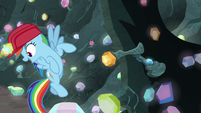 Rainbow Dash pointing at the lever S8E17