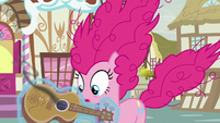 Rarity gives guitar back to Pinkie Pie S7E9