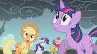 Twilight worried about Rainbow Dash S1E07