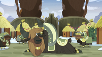 Yak looking surprised in Pinkie's direction S8E3