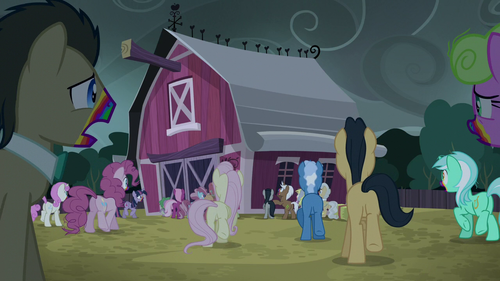 Zombie ponies approaching the barn S6E15.png
