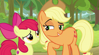 AJ sharing her idea with Apple Bloom S9E10