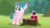 Camper filly stops stacking jars of jam S7E21