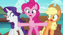 Pinkie Pie pops up between Rarity and Applejack S6E22