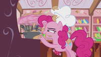 Pinkie stirring a pan S5E8