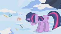 Twilight sad by her failure to make a nest S1E11