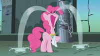 Pinkie Pie cries S01E02