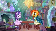 S06E01 Starlight i Sunburst przy stoliku