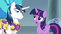 """Twilight Sparkle """"Mom and Dad aren't"""" S9E4"""