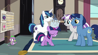 Young Twilight is crowned Sibling Supreme S9E4